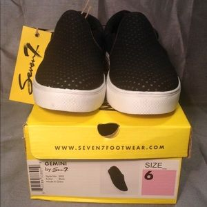 NWT SEVEN7 footwear - Gemini #2051 color: Black